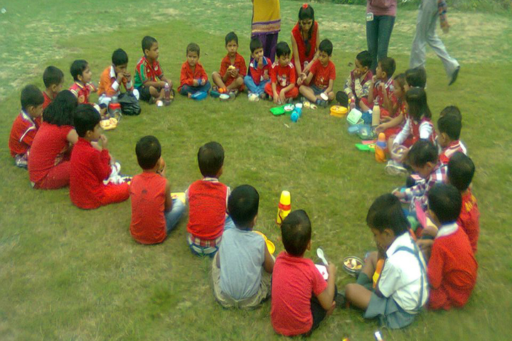 Acme Global School-School Trip