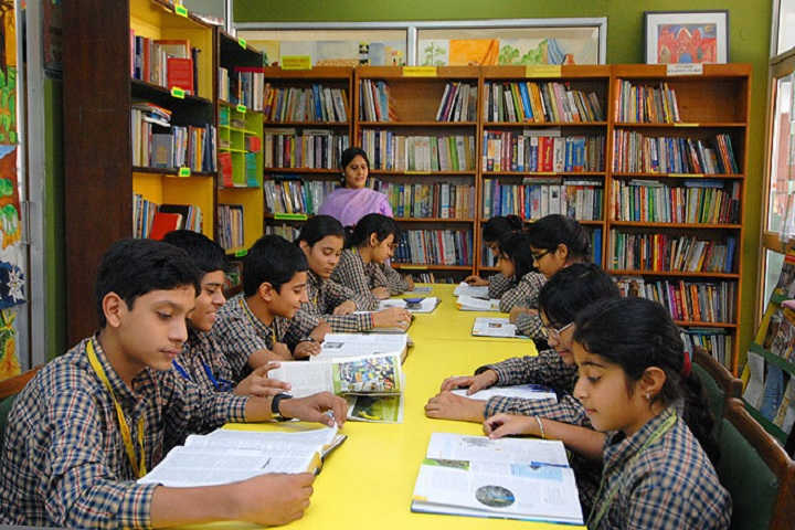 Agra Vanasthali Vidyalaya-Library