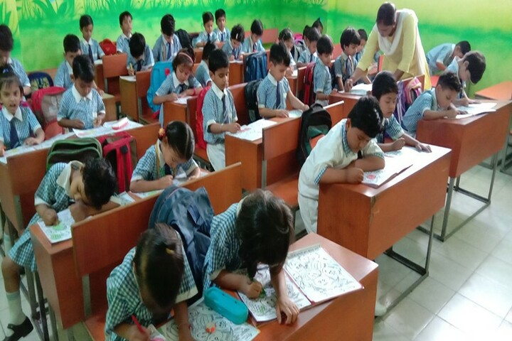 Ajmani Public School-Drawing competition
