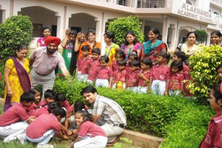 Alakananda Academic School - Hindi Diwaas