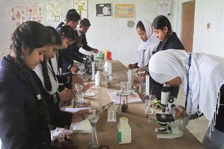 Aliyah Public School - Biology Lab