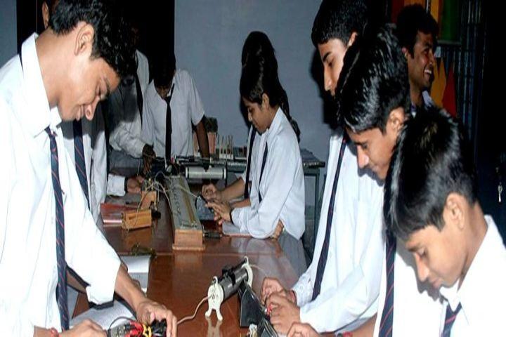 Amar Memorial St George-Science Lab