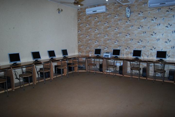 Amarnath Vidya Ashram Senior Secondary School-Computer Lab