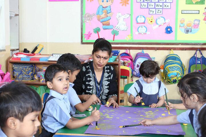 Amity International School-Little Kids paint Classes
