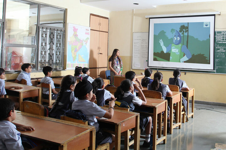 Amity International School-Smart Classes For Junior Students