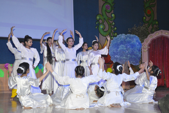 Amity International School - Group Dance