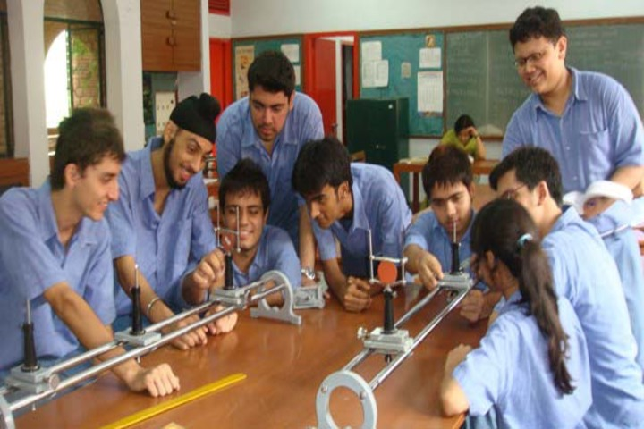 Sacred Heart School-Physics Lab