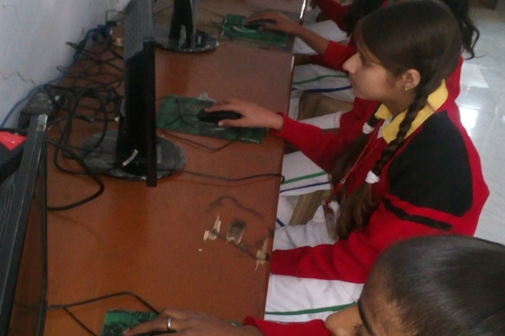 Anand Memorial Academy - Computer Lab