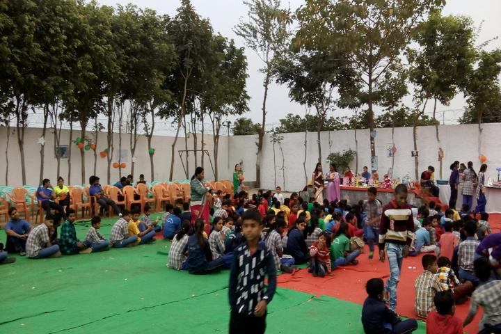 Arya Bandhu Public School-Activity