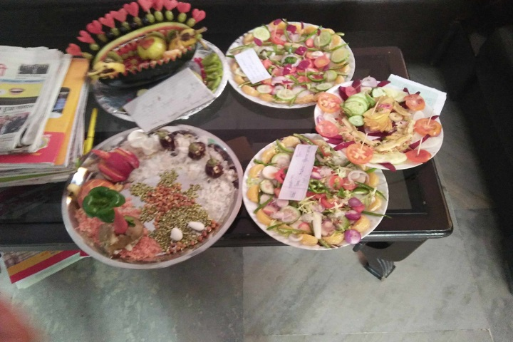 Aryavartt Public School-Salad Competition