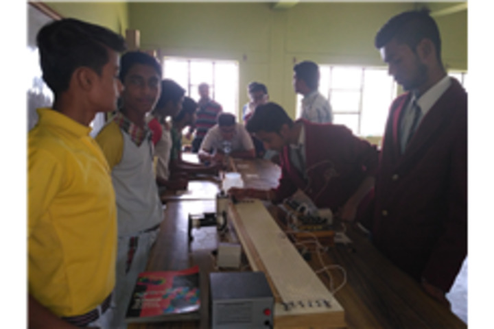 Ascent Public School-Physics Lab