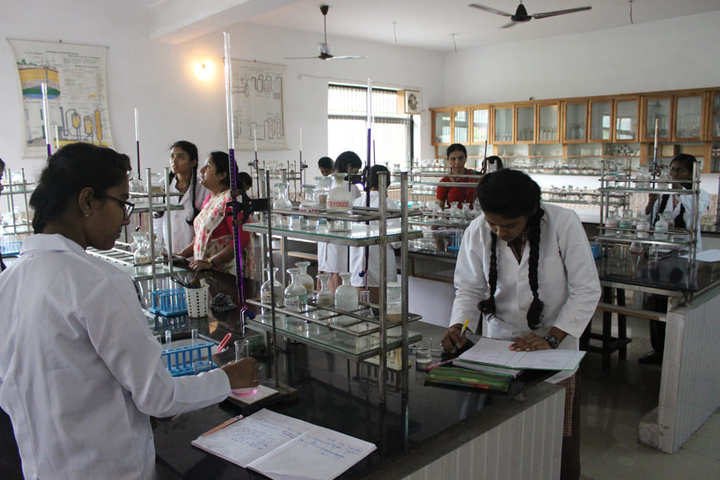 Assisi Convent School-Chemistry Lab