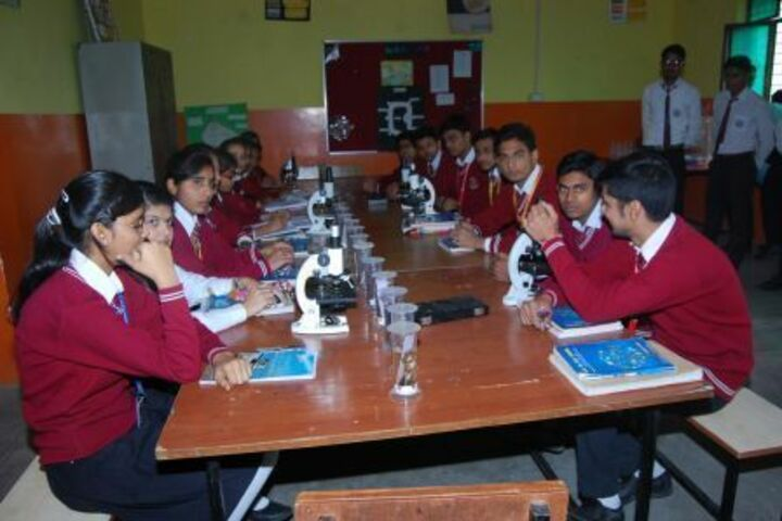 B K Senior Secondary School-Biology Lab
