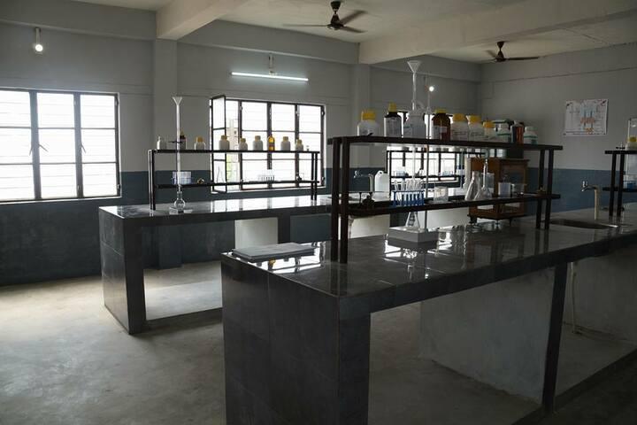 B N Public School-Chemistry Lab