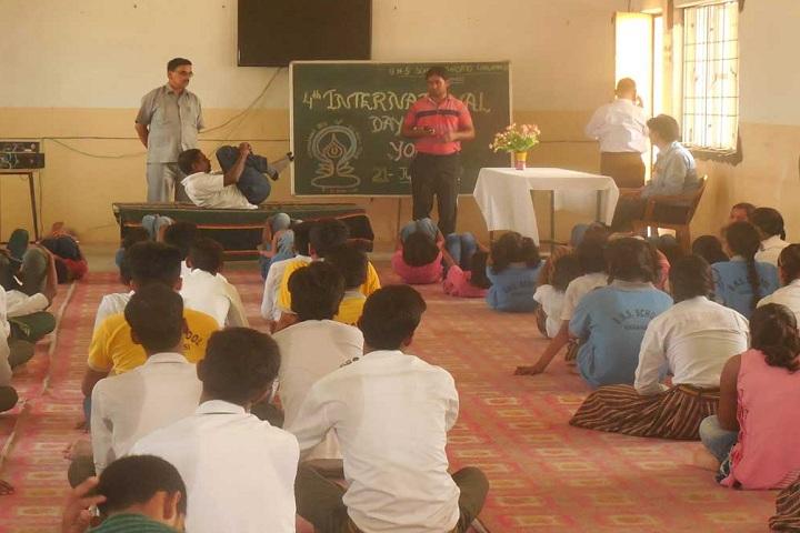 B N S School-Classroom yoga