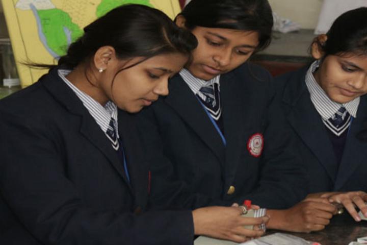 Baba International School-Physics Lab
