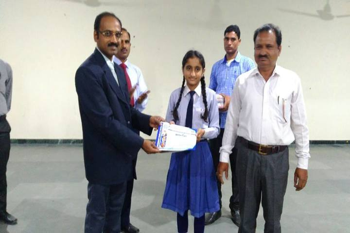 Bhagwant Public School-Certificate Distribution