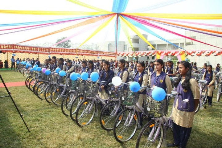Bill Clinton School-Cycle Race