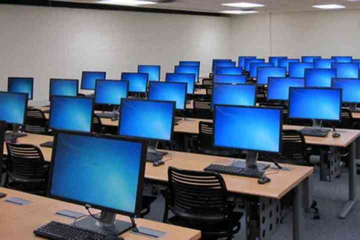 Bloom Public School-Computer Lab