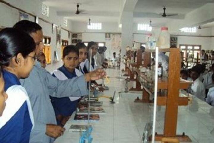 Saraswati Vidya Mandir-Chemistry Lab