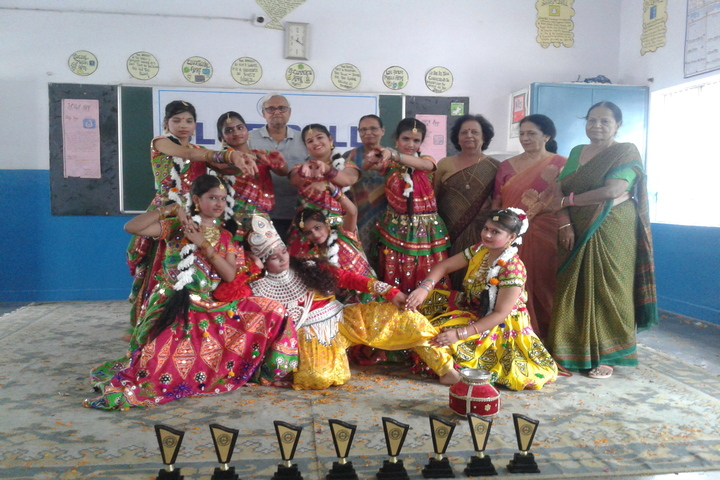 Blue Bell Dr Ram Tirth Dube Memorial School-Dancing Competition