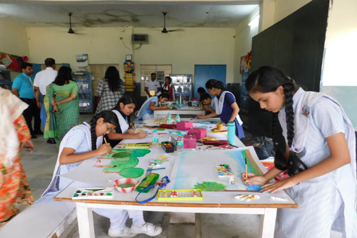 Blue Bells School-Art And Craft
