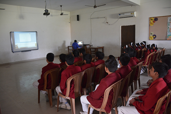 Brij Bhushan Lal Public School-Smart Class