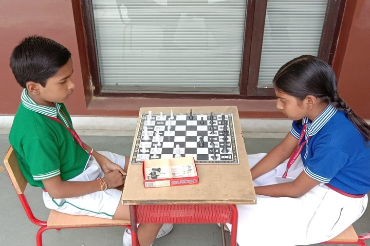 C H S Education Centre-Chess