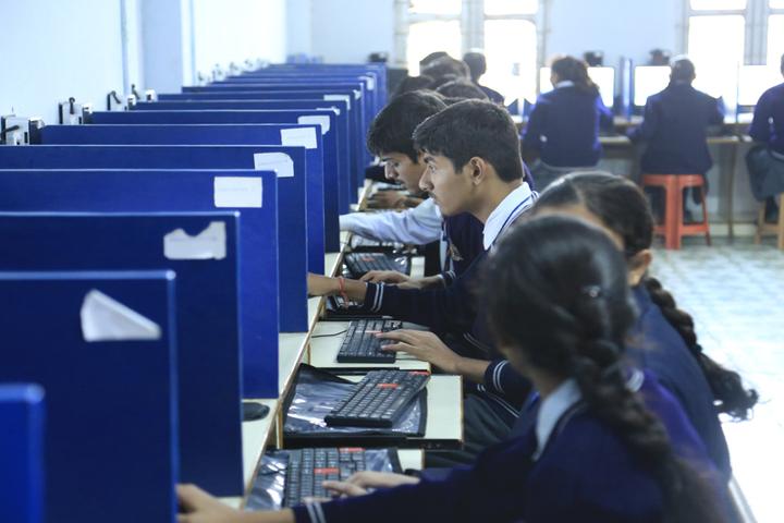 C S H P Public School-Computer Lab