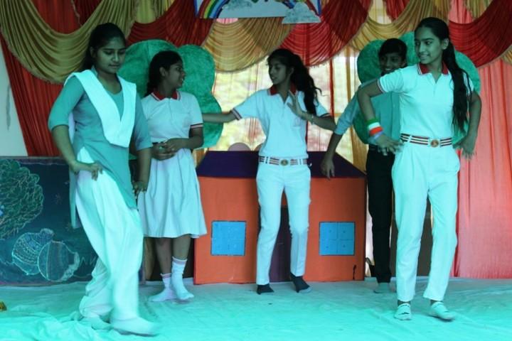 C L M   Public School-Dance Activity