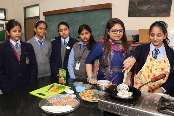 Cambridge School-Meal Planning Room