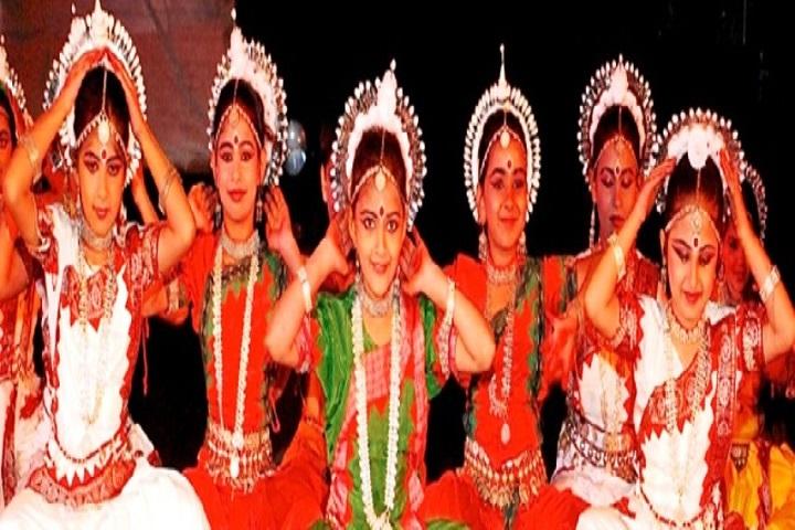 Captain Narottam Singh Pancham Singh Public School-Group Dance