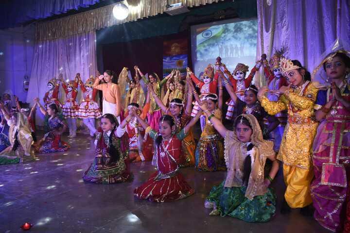 Central Hindu Girls Senior Secondary School-Dance