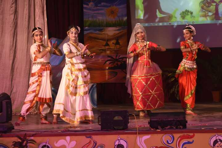 Central Hindu Girls Senior Secondary School-Classical Dance