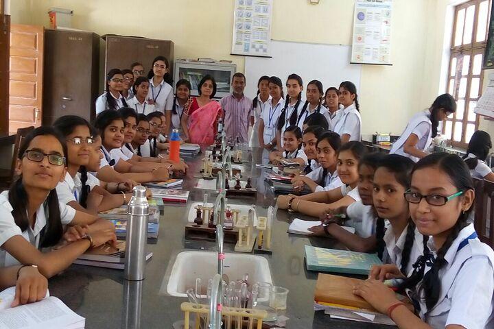 Central Hindu Girls Senior Secondary School-Biology Lab