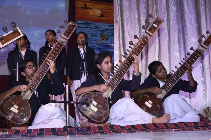Central Hindu Girls Senior Secondary School-Music Class