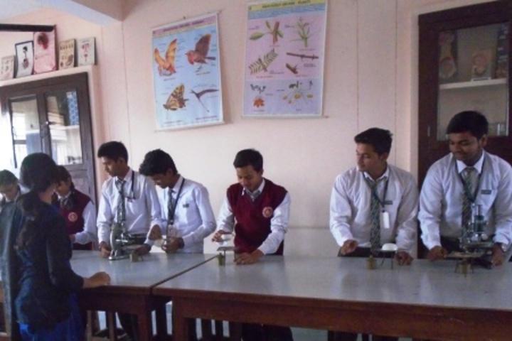 Central Hindhu School-Lab
