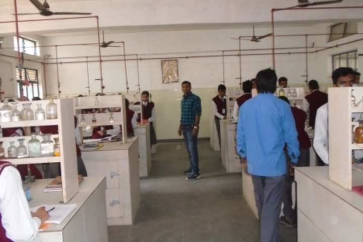 Central Hindhu School-Chemistry Lab