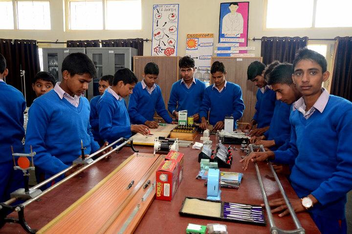 Chaudhary Narottam Singh International School-Physics Lab