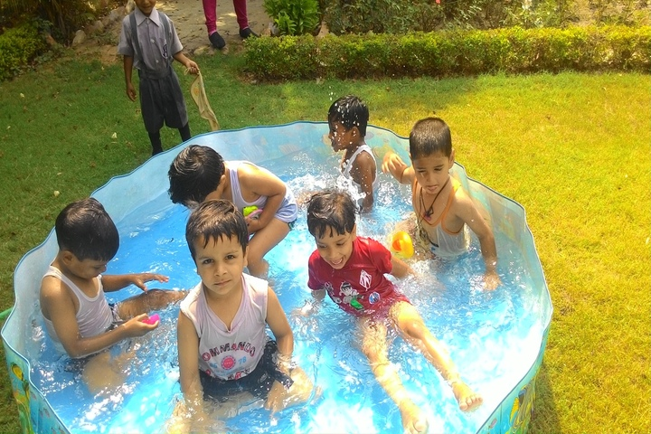 Children Academy-Pool Activity
