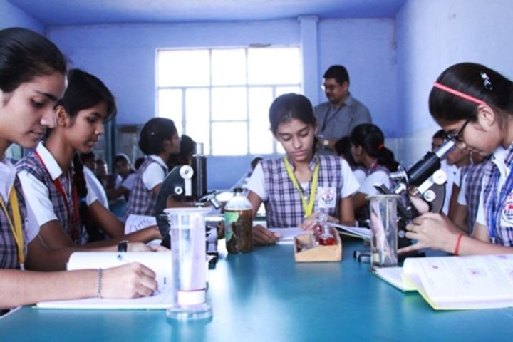 ColonelS Brightland Public School-Biology Lab