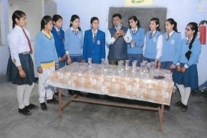D S 4 Junior High School-Biology Lab