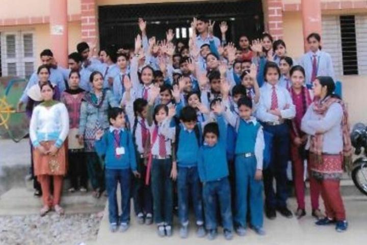 D S 4 Junior High School-Group Photo