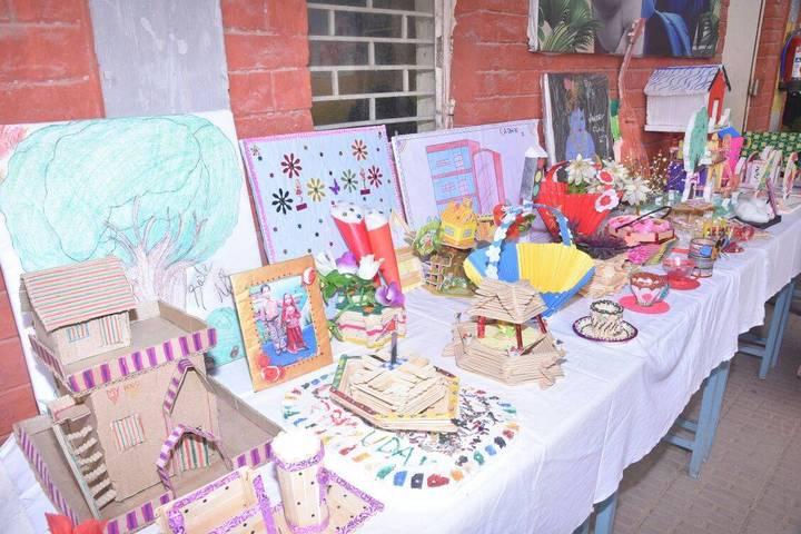 Dadri Public School-School Exhibition