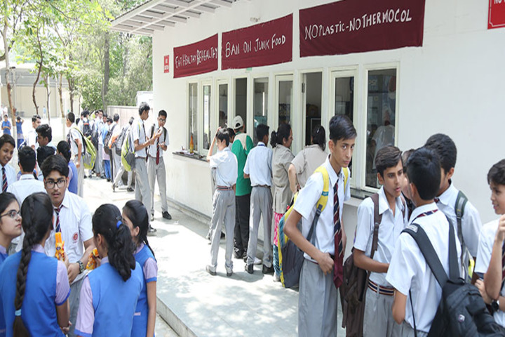 Dayawati Modi Academy-Cafeteria
