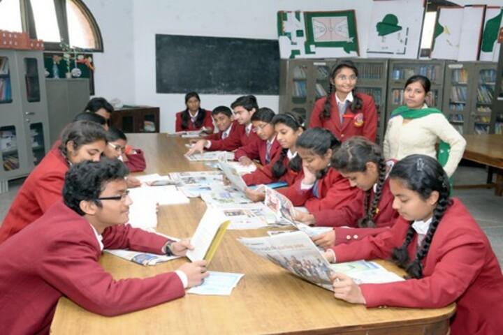 Dayawati Modi Public School-Library