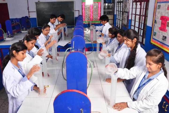 Dehradun Public School-Chemistry Lab
