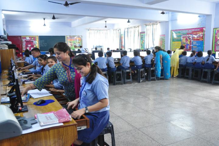 Dehradun Public School-Computer Lab