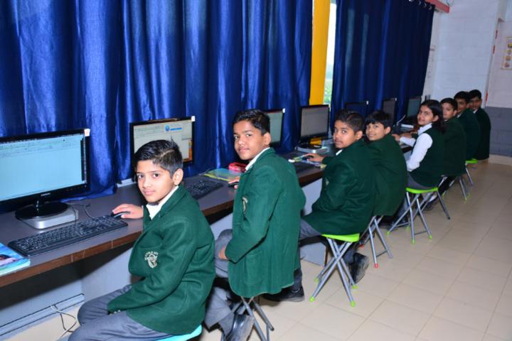 Delhi Public School-Computer-Lab
