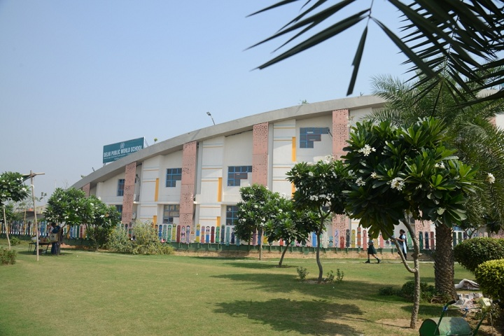 Delhi World Public School-Campus